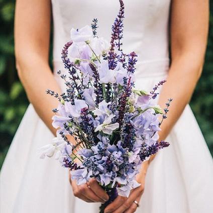 Bouquet Sposa Lavanda E Margherite.Idee E Consigli Per Il Tuo Matrimonio Tendenze Bouquet